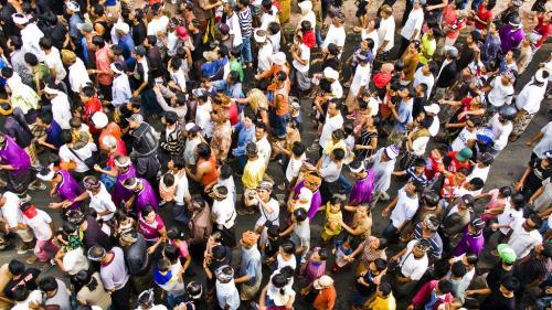 Populaţia Pământului poate ajunge la 9.8 miliarde până în 2050