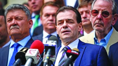 Orban: E o ruşine pentru partidul de guvernământ că se prezintă cu un asemenea candidat de prim-ministru şi o asemenea listă de guvern