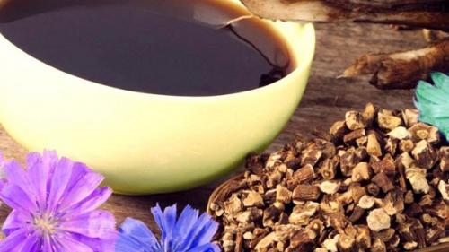 Surogatele de cafea, la țăranul român. Coajă de pâine, cartofi, rădăcină de topinambur, de cicoare sau de andivă (câteva rețete)