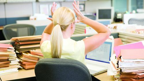 Studiu. Românii nu au încredere în angajatori
