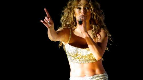 Jennifer Lopez angajează un detectiv pentru a investiga posibilele infidelităţi ale iubitului său Alex Rodriguez
