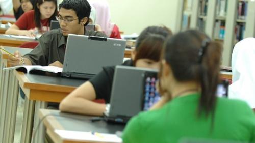 Şcoala gratuită de programare Academy+Plus în București