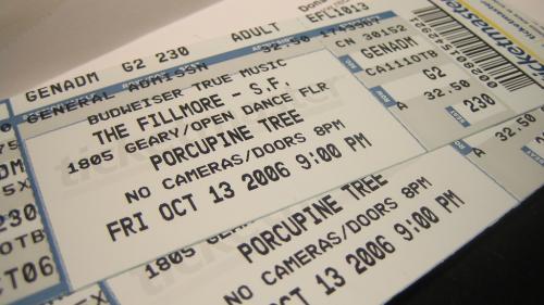 Biletele la concerte sau alte evenimente pot fi furate dacă sunt postate pe social media
