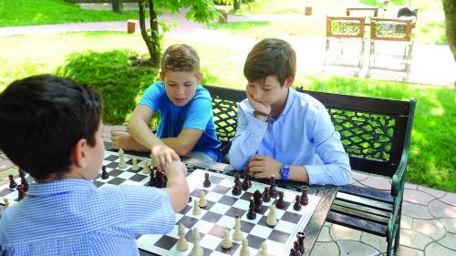Sute de copii, la Campionatul Naţional de Şah