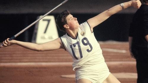 De ziua ta! Atleta Mihaela Peneş, campioană olimpică la aruncarea suliţei, în 1964, la Olimpiada de la Tokyo, împlineşte 70 de ani