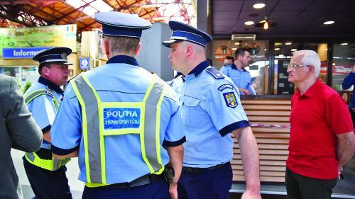 Soluție pentru criza de polițiști: școala rapidă, de șase luni