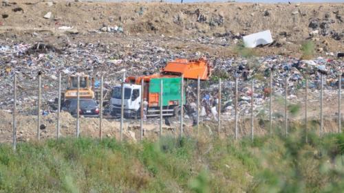 Noi detalii terifiante despre cianurile de la marginile Bucurestiului, depozitate la Groapa de gunoi Glina