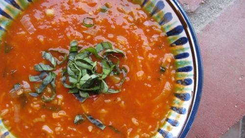 Rețeta zilei. Supă de pătlăgele roșii cu orez (rețeta lui Constantin Bacalbașa)