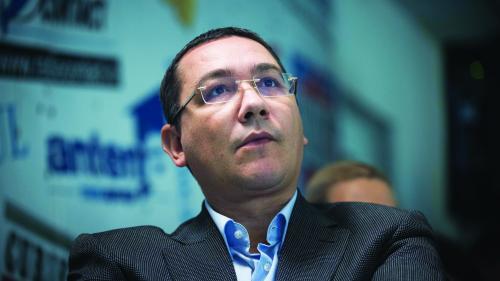 Victor Ponta, despre situaţia de la TAROM: Angajaţii, sătui de abuzuri, îşi caută refugiu în companiile private