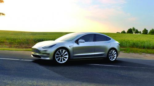 Tesla depăşeşte BMW