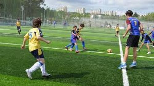 Reşiţa va avea un nou teren sintetic de fotbal