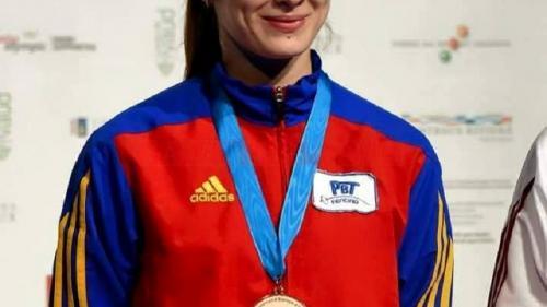 Simona Pop, campioana olimpică la spadă, a născut o fetiţă