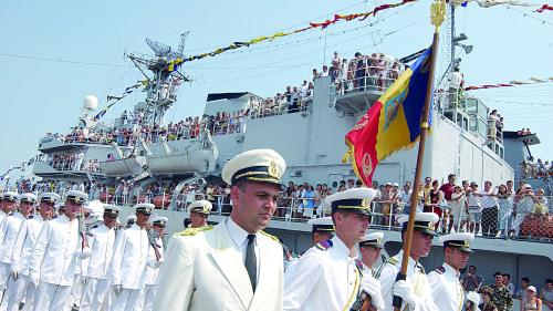 Forţele Navale cumpără vin de la Biserică