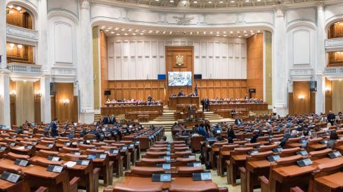 PNL şi ALDE se canibalizează înainte de sesiune