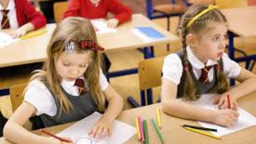 Veste șoc de la MEN. Elevii claselor a cincea nu vor avea MANUALE la începutul anului şcolar!