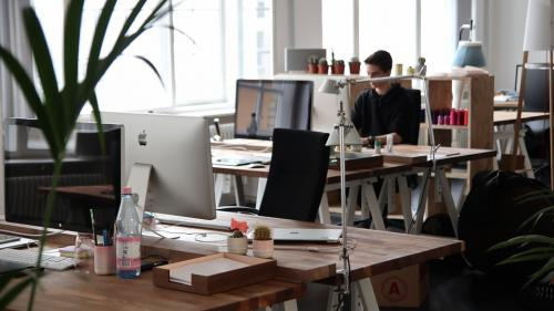 80% dintre angajaţii români consideră că relaţia defectuoasă cu şeful le afectează productivitatea