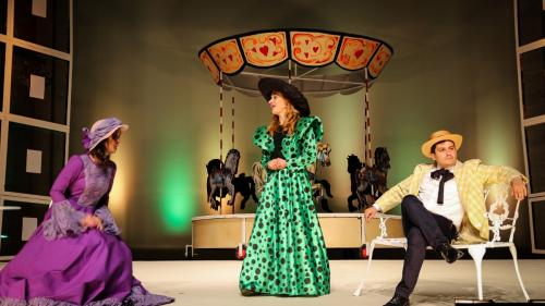 330 de actori, muzicieni, acrobați și artiști plastici îl sărbătoresc pe Caragiale