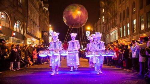 Constanța: Festivalului Internaţional Art District scoate teatrul în stradă