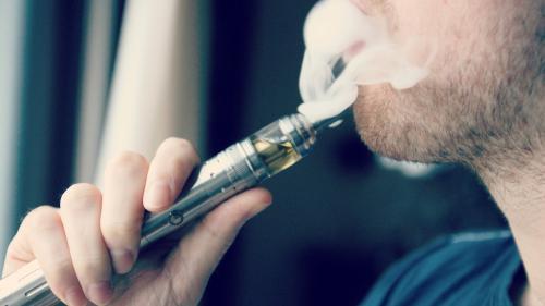 Ţigările electronice cu nicotină: pericol pentru sănătate