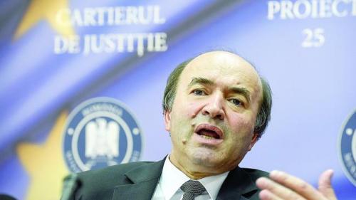 Toader: Am cerut hotărârile judecătoreşti cu privire la deţinuţii aflaţi în prelungirea liberării condiţionate
