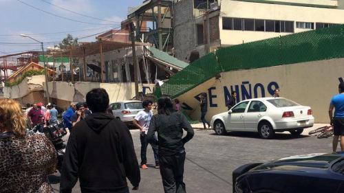 Un cutremur puternic a zguduit Mexicul. Cel puțin 149 de morti. Nu se știe câți oameni sunt prinși sub dărâmături