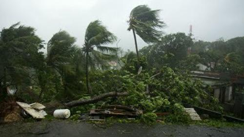 VIDEO - Uraganul Maria loveşte Guadelupa; cod roşu pe insulele Saint Martin şi Saint Bartolomé