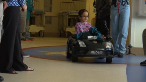 """Procedură inedită la un spital de copii din San Diego: cei mici """"şofează"""" spre sala de operaţie"""