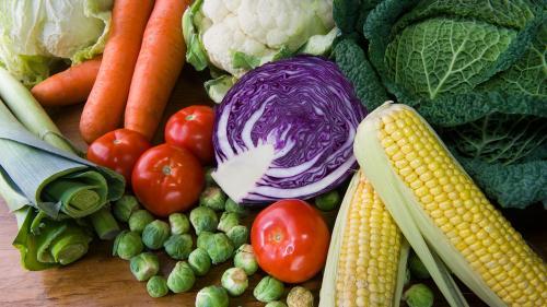 Simptome care îţi dovedesc că nu eşti potrivit pentru o dietă vegetariană sau vegană