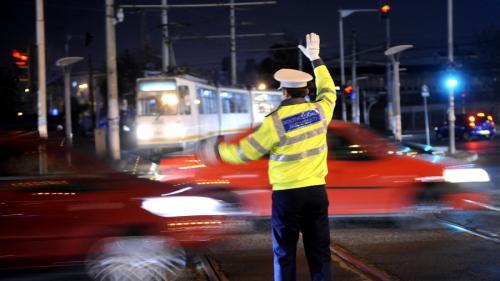 De azi, polițiștii locali nu mai pot da amenzi în trafic