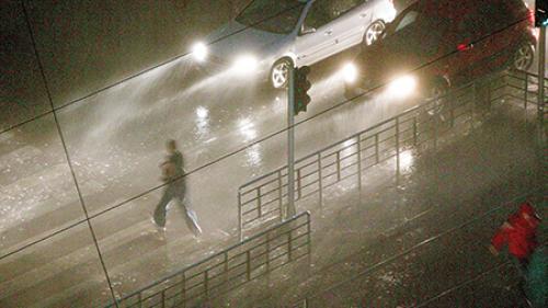 Firea, plângere penală pentru informaţiile false despre furtună