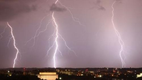 De ce sudul Bucureștiului a fost ocolit de furtuna prognozată de meteorologi
