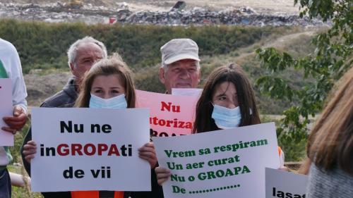 Mesaj disperat: Nu autorizaţi groapa de gunoi de la Glina! Nu ne condamnaţi la moarte!