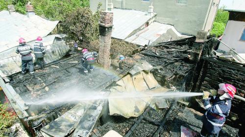 PAD va acoperi şi riscul de furtună şi incendiu. Poliţa se scumpeşte