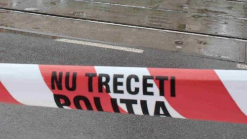 Un bărbat a fost lovit de tramvai pe bd. Timișoara. Circulația este blocată