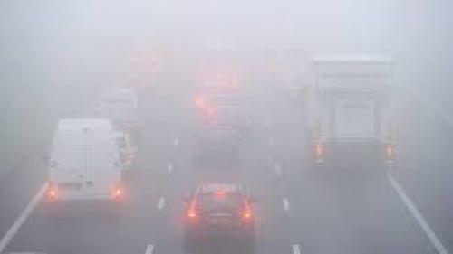 AVERTIZARE ANM. Cod galben de ceaţă şi vizibilitate redusă în 12 judeţe din Transilvania şi Moldova, luni dimineaţa