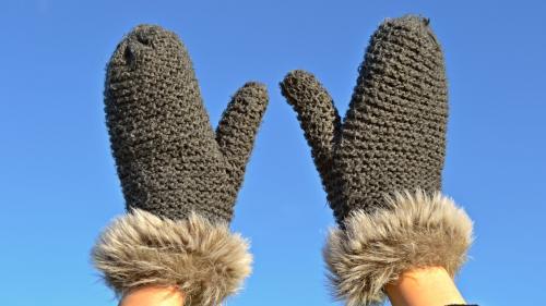 Care sunt cauzele mâinilor reci