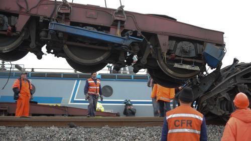 Un tren InterRegio plin cu pasageri, deraiat în județul Cluj