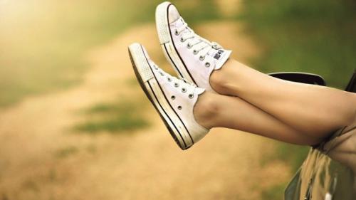 Ai picioarele umflate? Iată 9 posibile cauze