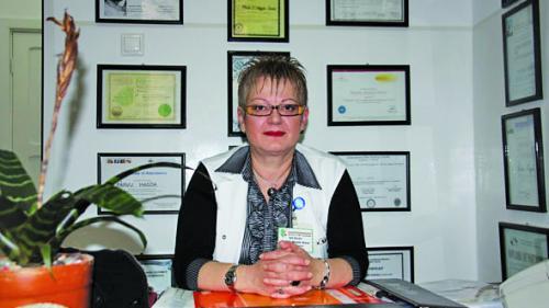 Dr. Magda Pârvu: Atacul bolilor reumatismale inflamatorii începe la degete, la articulaţiile mici