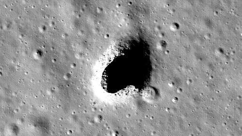 DESCOPERIRE ISTORICĂ - Japonezii au găsit o enormă grotă sub scoarța Lunii