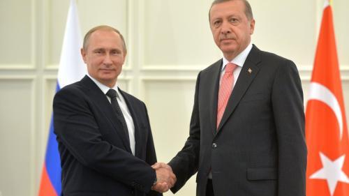 Putin şi Erdogan au discutat telefonic despre situaţia din Siria şi relaţiile economice bilaterale