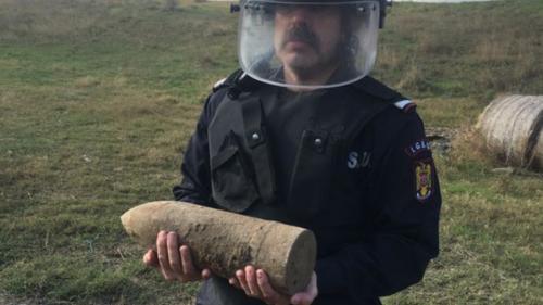 Proiectil din Al Doilea Război Mondial, găsit în apropiere de Băltenii de Sus, Tulcea
