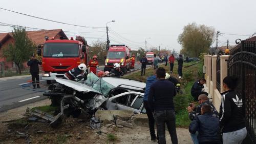 Un mort şi patru răniţi într-un accident rutier, la ieșirea din Satu Mare spre Zalău