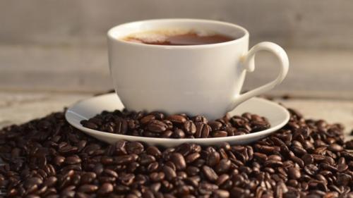 5 utilizări uimitoare ale cafelei. N-o să mai arunci zațul de acum înainte
