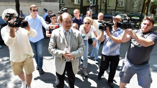 """Mircea Băsescu a """"recrutat"""" o fostă judecătoare acuzată de luare de mită"""