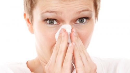 Poți să faci vaccinul antigripal dacă ești răcit? Ce spun medicii