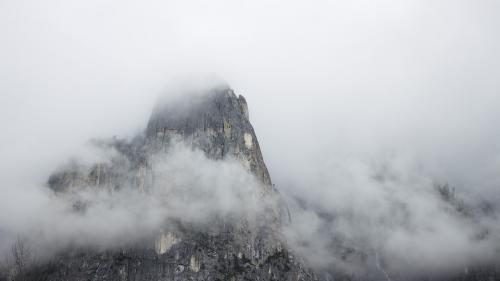 Cod galben de ceață în localități din nouă județe