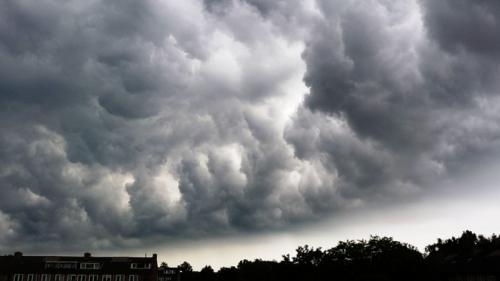 Meteorologii avertizează! Cod galben pentru următoarele ore, în şase judeţe