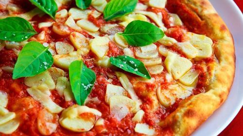 Răsfață-te cu pizza și paste și în cura de slăbire. 2 rețete cu puține calorii