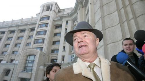 Virgil Măgureanu și-a deschis fabrică de alcool. Partener, un condamnat pentru mită